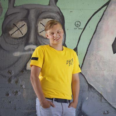 Tami Riissanen näesydämellä -projekti kuvauksissa