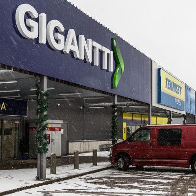 Gigantti och Tekniset elektronikaffärer