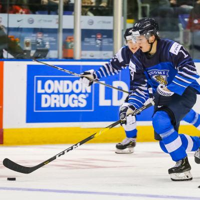 Rasmus Kupari och hela första kedjan hoppas få fart på poängproduktionen i JVM:s andra match, mot Kazakstan.