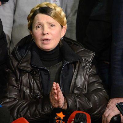 Tymosjenko talade till reportrar efter att hon lämnat sjukhuset i Charkiv.