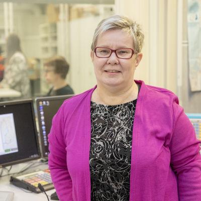 Yle Pohjanmaan päällikkö Hannele Haanpää-Holappa