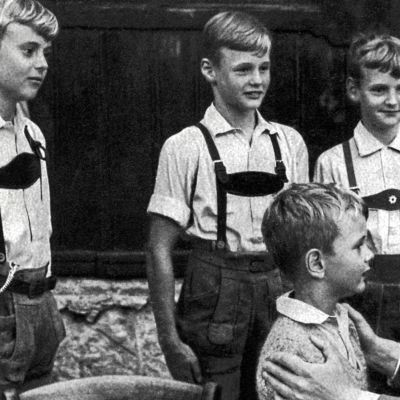 Minkälaisena Obersalzbergin aluella eläneet lapset muistavat kohtaamiset Hitlerin kanssa?