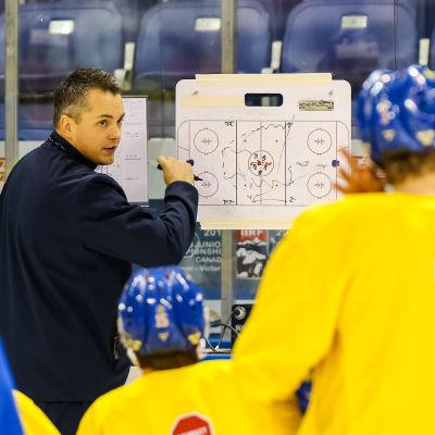 Tomas Montén är förbundskapten i Sverige.
