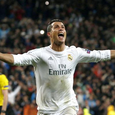 Cristiano Ronaldos magi gjorde att Real Madrid vände mot Wolfsburg.