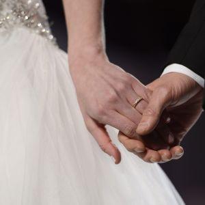 Brud och brudgum på bröllopsmässan i Helsingfors i januari 2013.