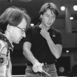 Klarinetisti Kari Kriikku, kapellimestari Esa-Pekka Salonen ja sellisti Anssi Karttunen Radion sinfoniaorkesterin harjoituksissa 1991.