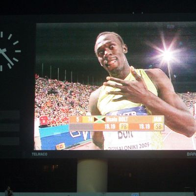 Bolt 200