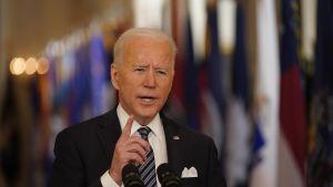 Presidentti Joe Biden piti virkakautensa ensimmäisen televisiopuheensa perjantain vastaisena yönä Suomen aikaa.