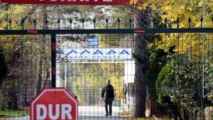 Epäilty yhdysvaltalainen jihadisti on jäänyt jumiin Kreikan ja Turkin väliselle militarisoidulle vyöhykkeelle.