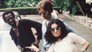 Miles Davis, John Lennon ja Yoko Ono kuvattuna lokakuussa 1971.