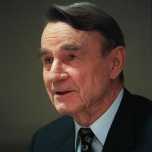 Porträttbild av Mauno Koivisto