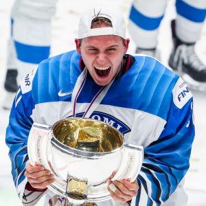 Kevin Lankinen imponerade stort då Finland vann ett sensationellt VM-guld i våras.