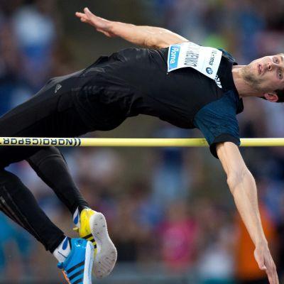 Bohdan Bondarenko hoppar 242 i New York
