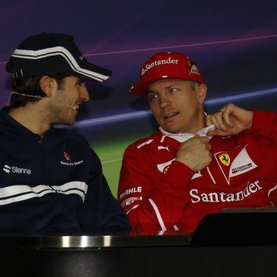 Antonio Giovinazzi och Kimi Räikkönen