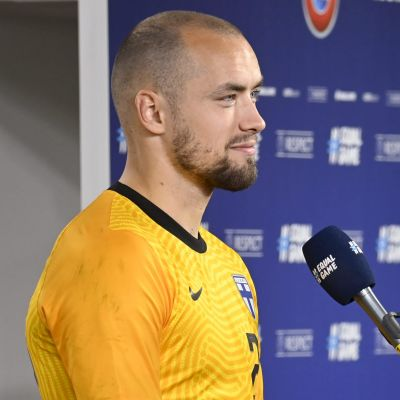 Carljohan Eriksson blir intervjuad i landslaget.