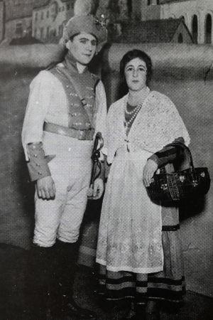 Alfons Almi Don Joséna ja Inkeri Stenbäck Mikaelana.