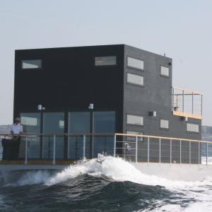 Är Salt & Sills bastuflotte utanför Göteborg världens snabbaste? I vilket fall som helst uppmättes den svindlande hastigheten av 15.5 knop