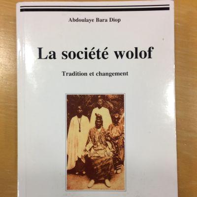 Wolofit - kansasta kertovan kirjan kansi