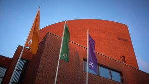 Aalto-universitetet gör sig av med över 300 anställda.