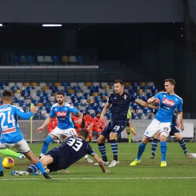 Napoli kukisti Lazion