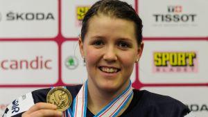 Michelle Karvinen med Finlands senaste VM-medalj, bronset från 2015.
