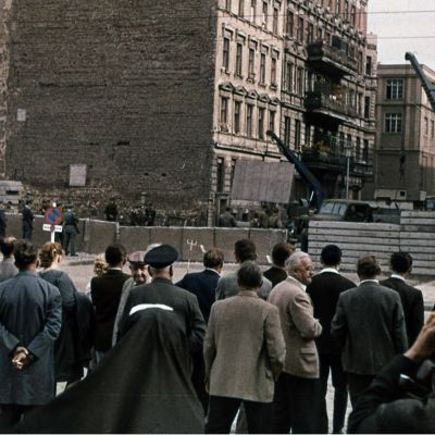 Berliinin muuri rakennettiin Bernauer Strasse -nimistä katua pitkin.
