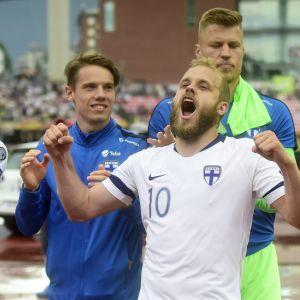 Finländska spelare jublar