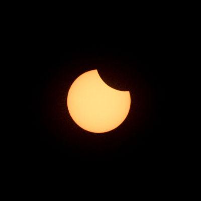 Osittainen auringonpimennys kuvattuna Mikkelissä 10.6.2021 kello 13:20