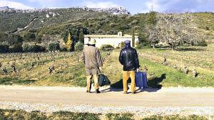 Elokuvan matkamiehet (Nacho Angulo ja Hugo Wirz) kokemustensa porteilla La Rioja Alavesassa