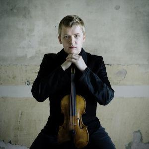 Viulisti Pekka Kuusisto