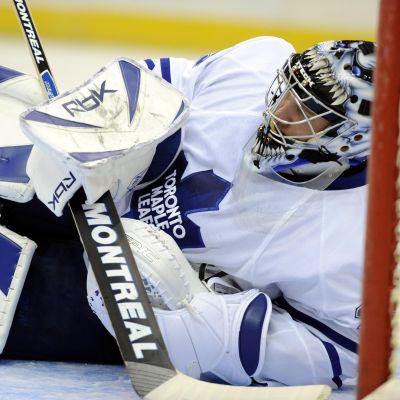 Målvakten Vesa Toskala i Toronto Maple Leafs.