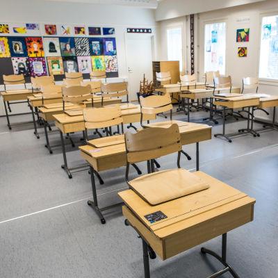 Tammelan parakkikoulun luokkahuone.