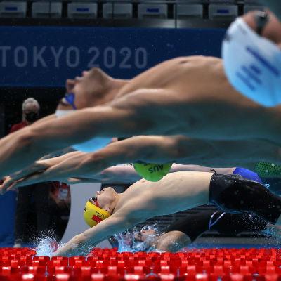 Uimareita Tokion olympialaisissa.