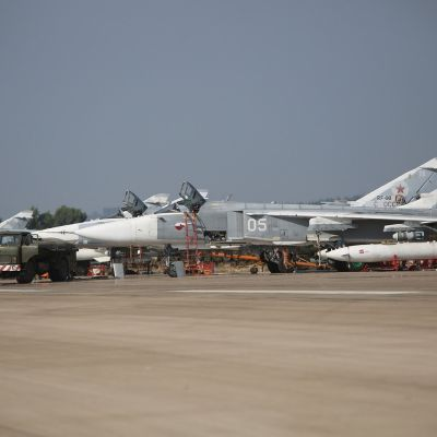 Ryska Suchoj-bombplan i Latakia i Syrien i oktober 2015.