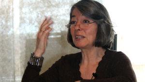Åsa Moberg under en föreläsning om kärnkraft.