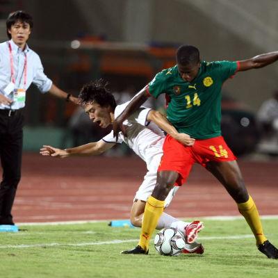 Patrick Ekeng spelade två landskamper för Kamerun. Han dog 2016, 26 år gammal.