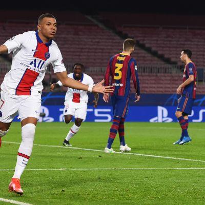 PSG:n Kylian Mbappe piti Barcelonaa varpaillaan