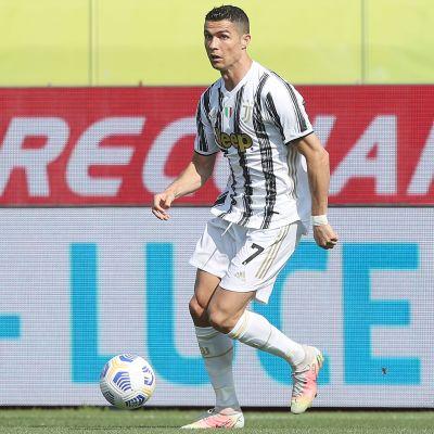 Cristiano Ronaldo kuvassa