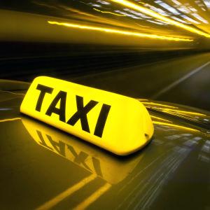 taxiskylt i tunnel