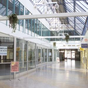 Övergivet köpcenter, 1995