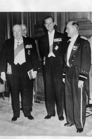 Sir Winston Churchill, prins Philip och general Alfred M. Gruen år 1954.ther
