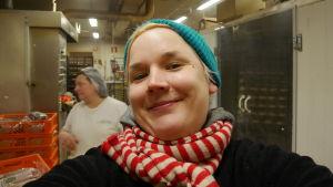 Toimittajan selfie leipomossa.