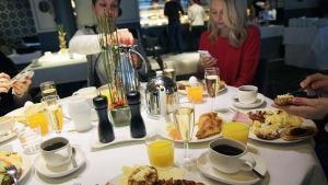 Ordentlig frukost för att kickstarta dagen