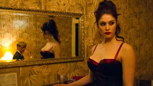 Gemma Arterton on Clara elokuvassa Byzantium