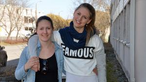 Linnéa och Erica Hjerpe tävlar gärna, men vem är mest träffsäker?