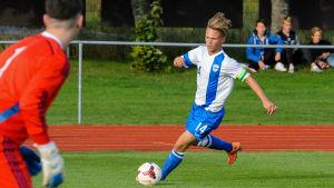 Tobias Fagerström är med i i Finlands U-17-landslag i fotboll.