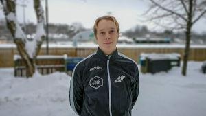 Porträttbild av fotbollsspelaren Severi Vielma.