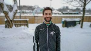 Porträttbild av fotbollsspelaren Dominic Gordin.