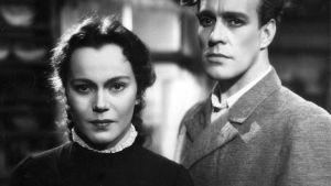 Minna Canthin näytelmään perustuva elokuva kihloissa olevasta naisesta, jota menneisyys ei jätä rauhaan.