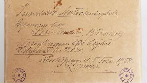 Ett gammalt gulnat brev.